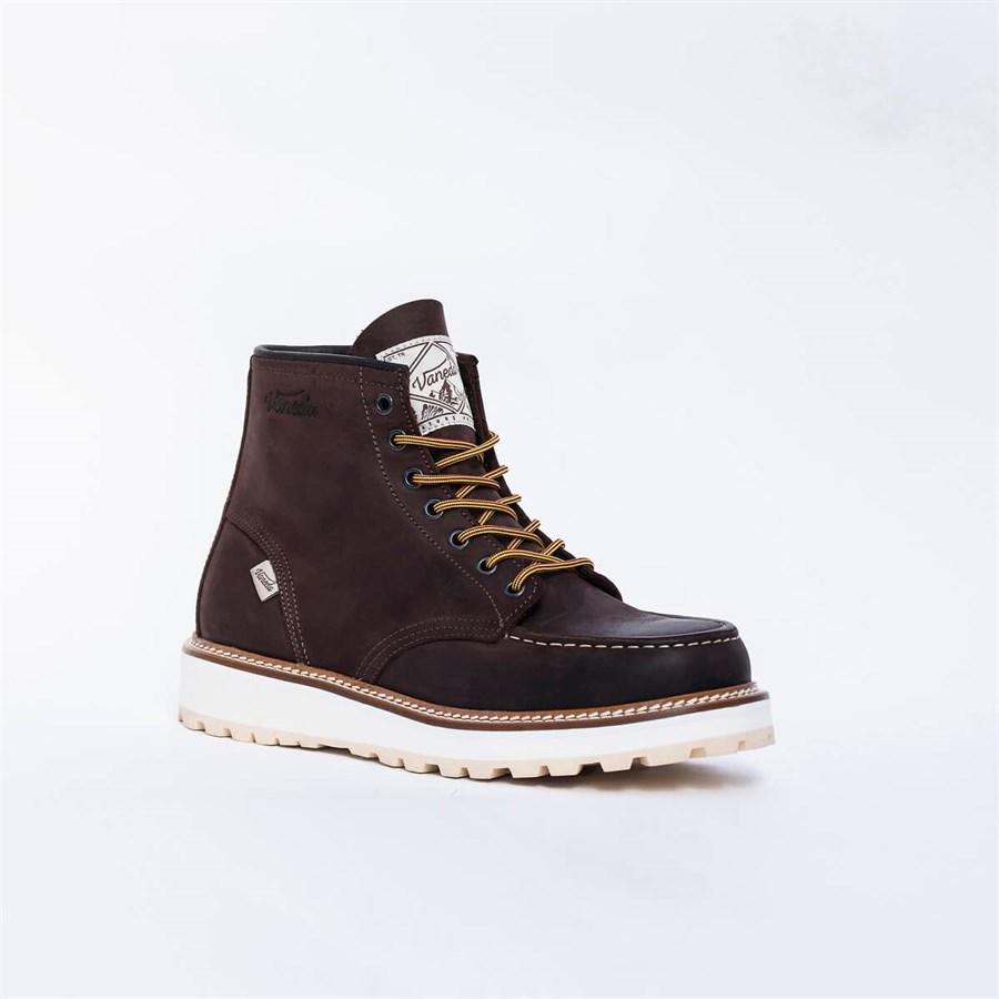 حذاء بوت من الجلد باللون البني الداكن من لايف ستايل تاون