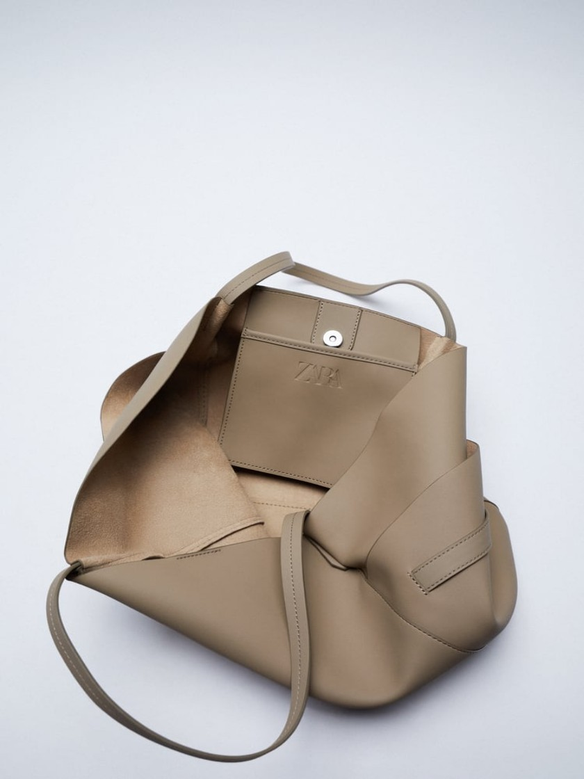ZARA 2021-حقيبة يد نسائية بجيوب جانبية ، حقيبة حمل متوفرة بألوان مختلفة. جيوب خارجية وجانبية مطوية. الشريط هو DETA