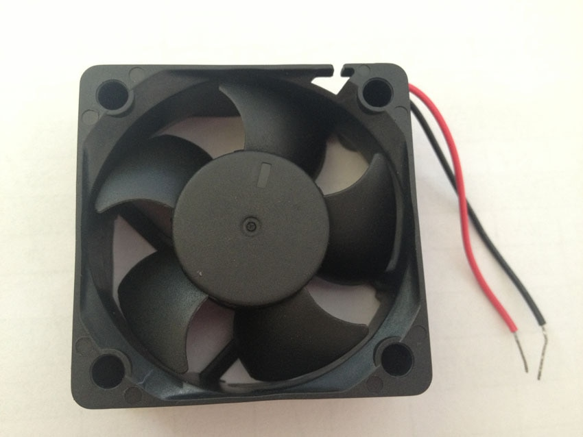 Wholesale New in original Taiwan AVC 50 fan DS050R12U-003