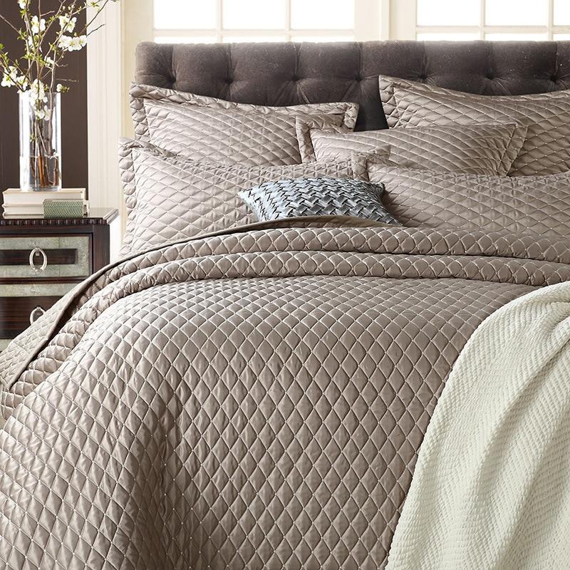100% algodón cómodo Noble y a la moda 1 * colcha 2 * fundas de almohada estilo simple juego de edredón acolchado Queen 230x250cm