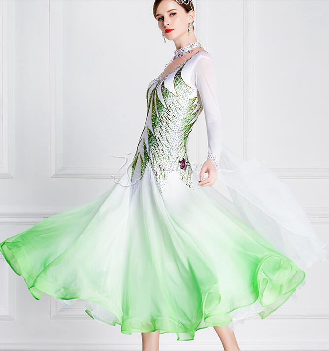 قاعة اللباس امرأة قاعة فساتين الرقص الأخضر الأبيض تخصيص قاعة اللباس المنافسة ليكرا B-18306