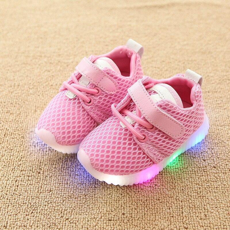 Zapatos luminosos para niños y niñas, zapatillas con luces LED para niños, pequeños zapatos deportivos informales para niños pequeños, zapatillas de moda con luces parpadeantes para bebés