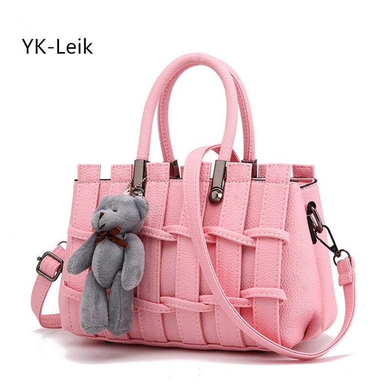 YK-Leik 2017 verano tejido de moda bolsos de lujo para mujer bolsos de hombro frescos para mujer con oso Popular cesta de flores bolso