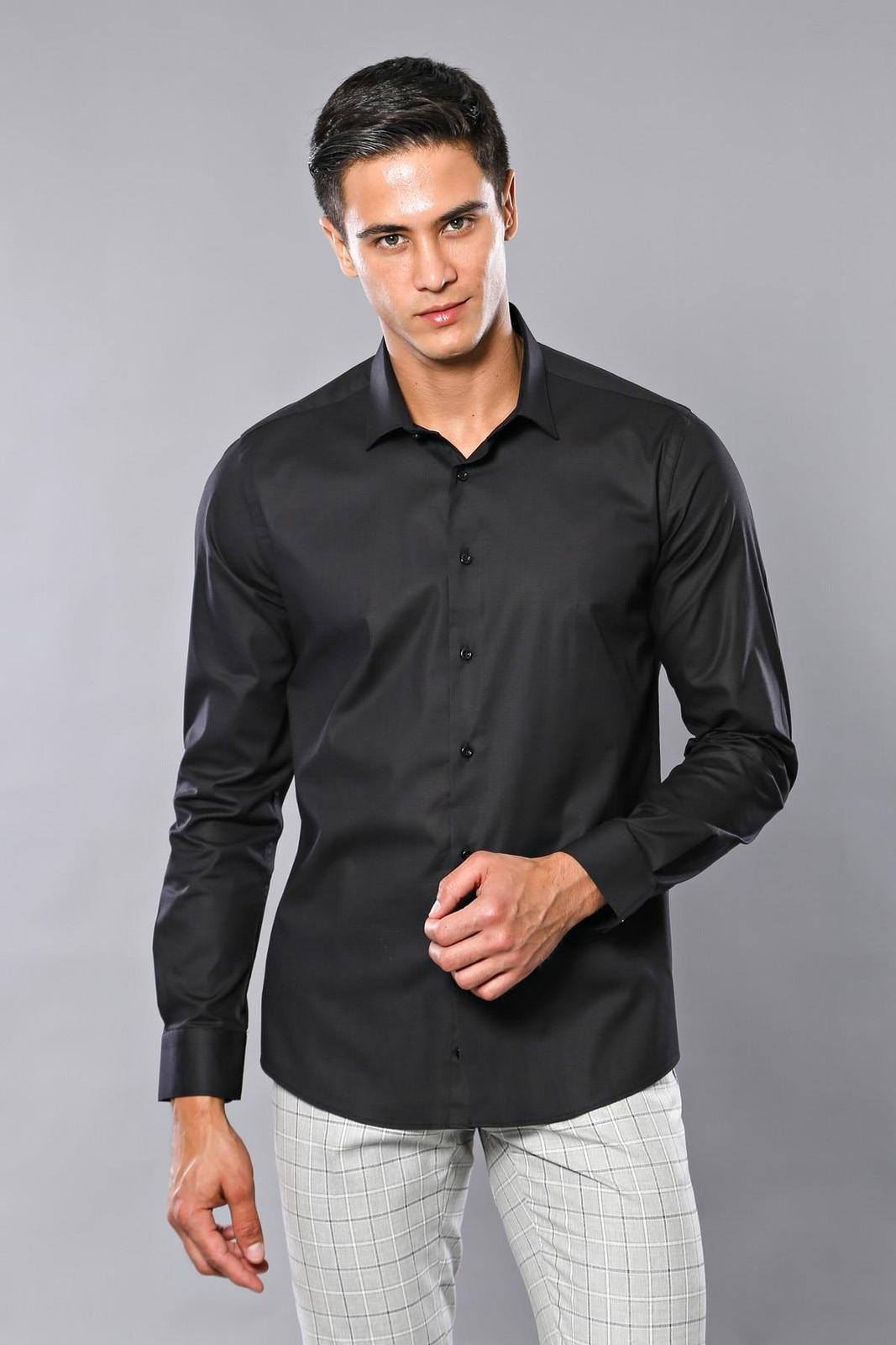 Camiseta plana Slimfit negra para hombre Unimart Shop   Wessi