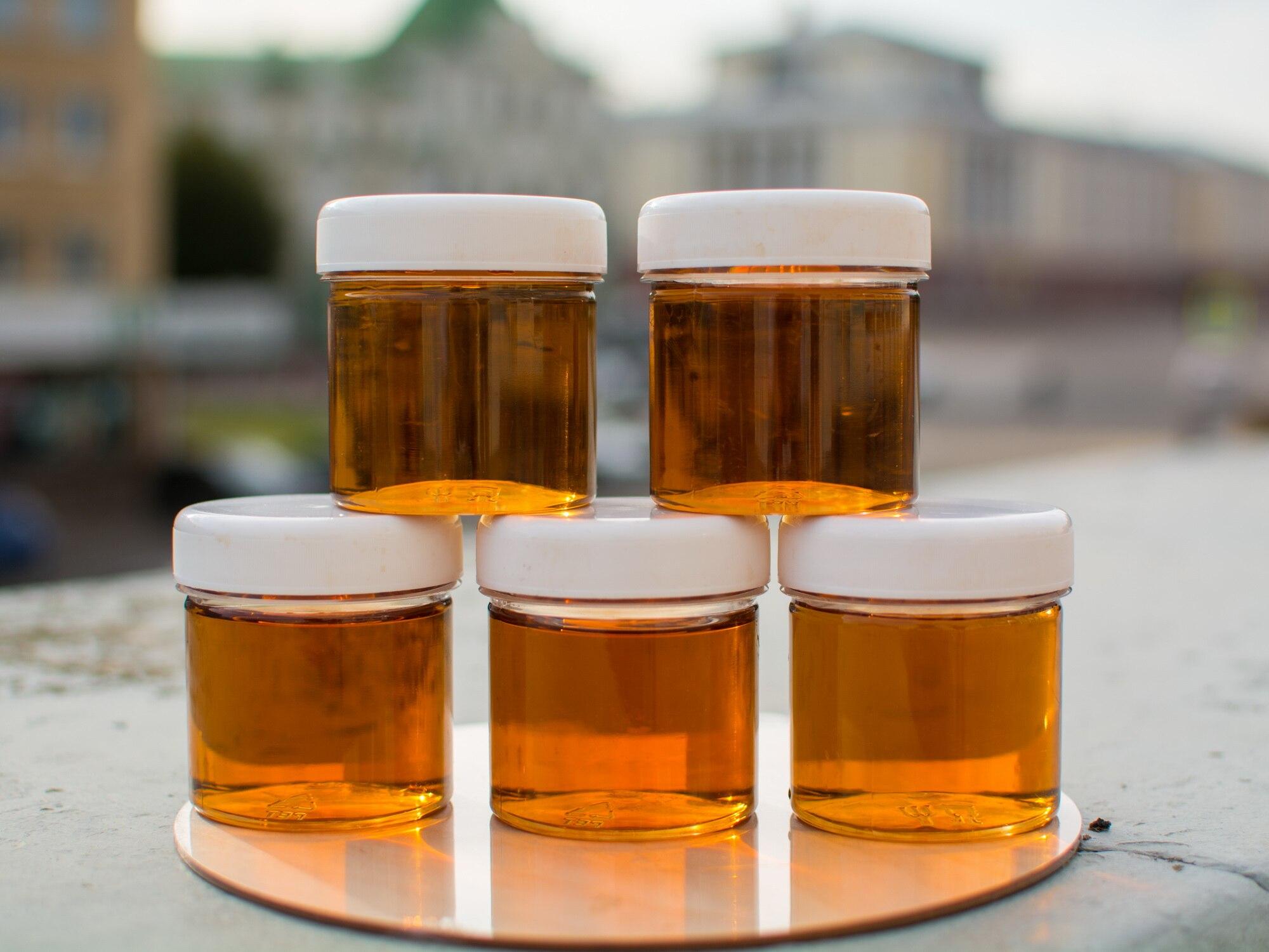 Натуральный цветочный мёд (разнотравье) из деревни 1 литр (1.5 кг).