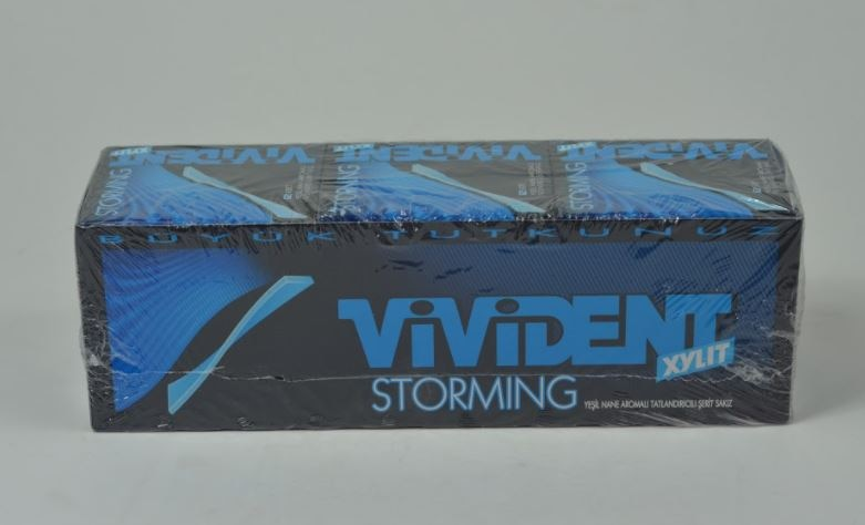 Vivident Storming Green Mint Flavored 18-Pack