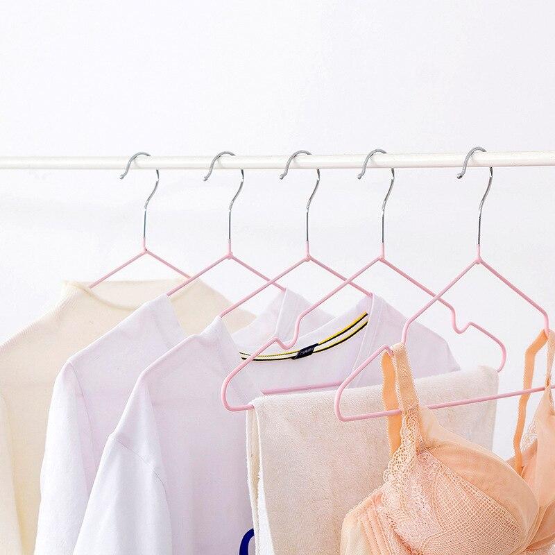 الشماعات المضادة للانزلاق انخفض رفوف الملابس الأخاديد المنزلية ، الطاقة الحركية متعددة ، الشماعات سلس ، رفوف الملابس ، الشماعات