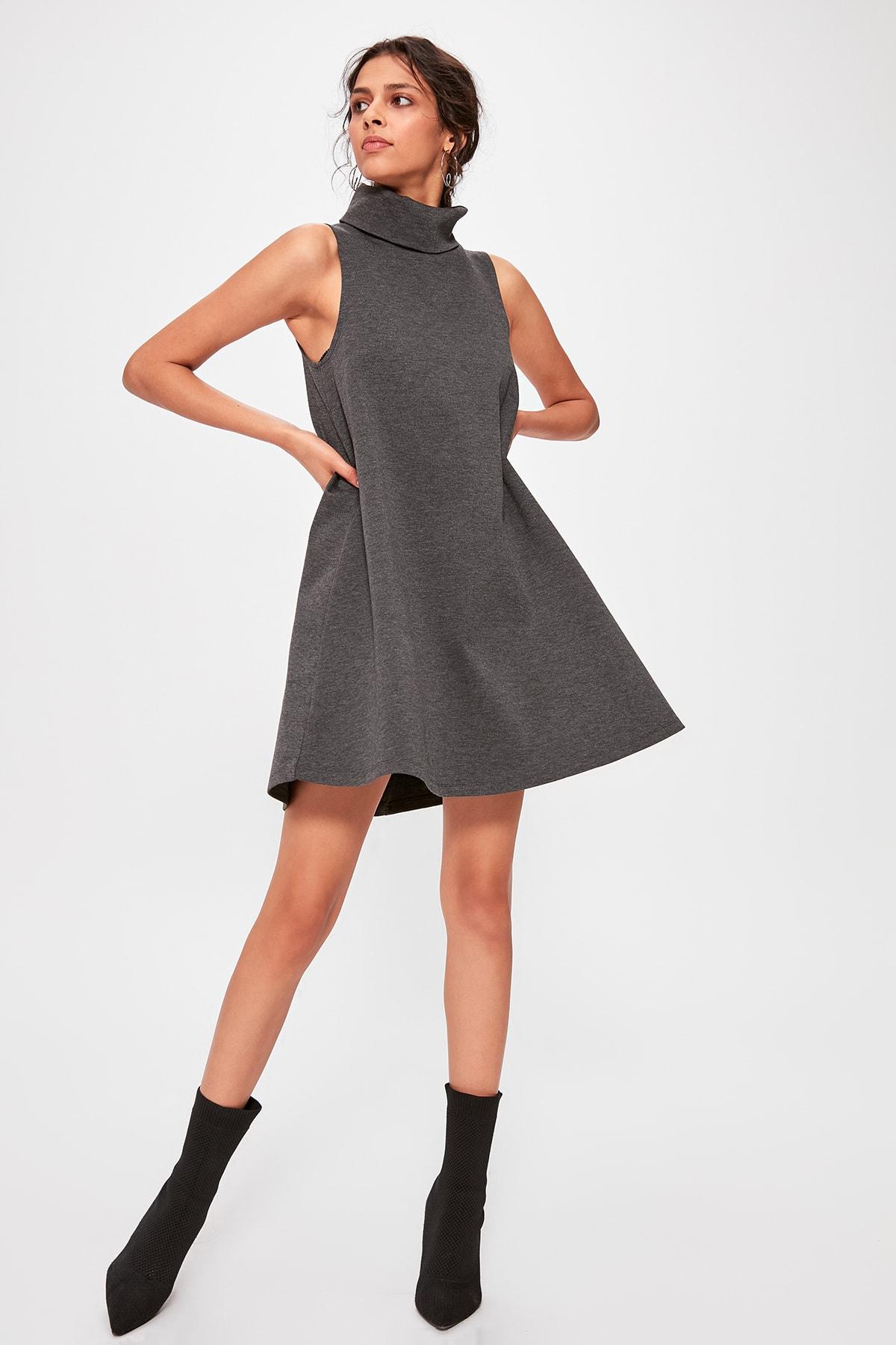 Vestido de punto de cuello vertical Trendyol antracita TWOAW20EL1218