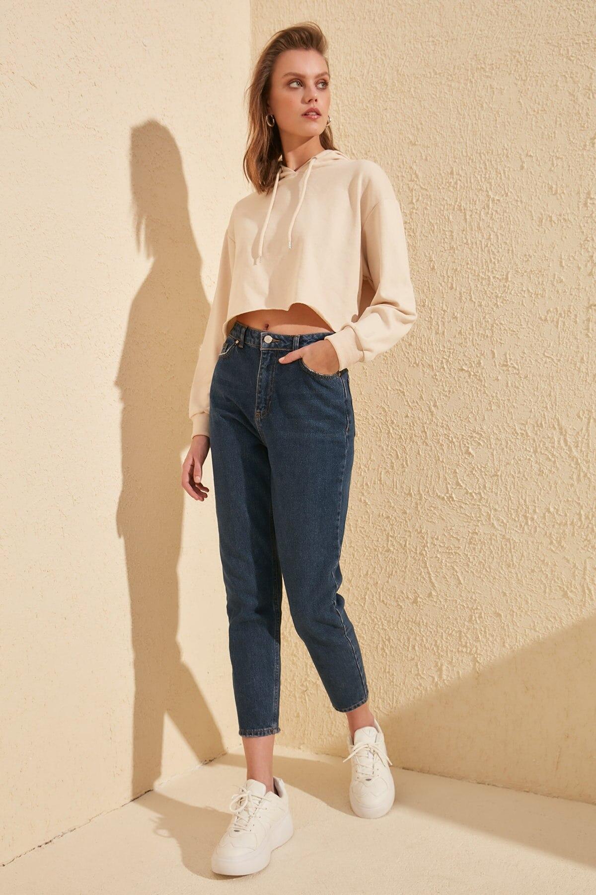 Trendyol Solid High Waist Mom Jeans TWOSS20JE0218