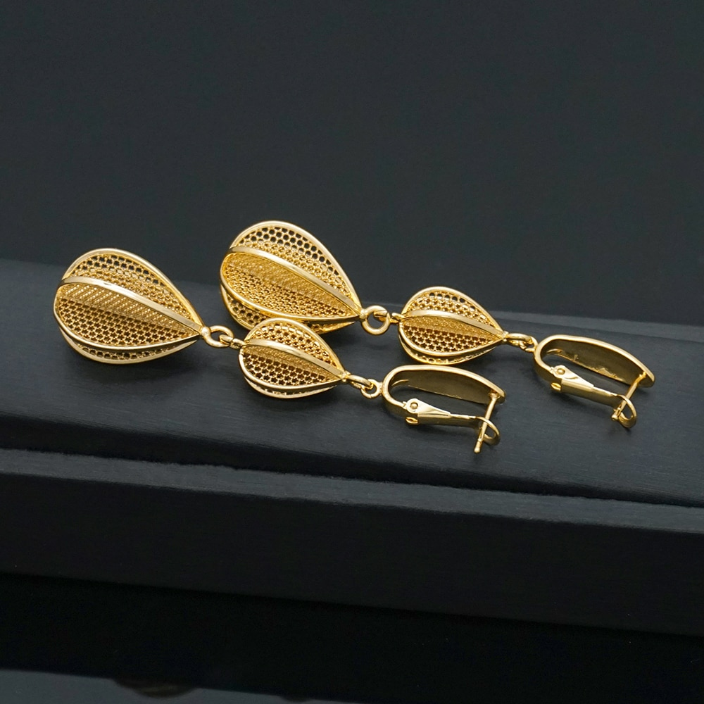 Ouro metal waterdrop brinco para as mulheres vintage maxi na moda sexy brincos presente de casamento jóias por atacado