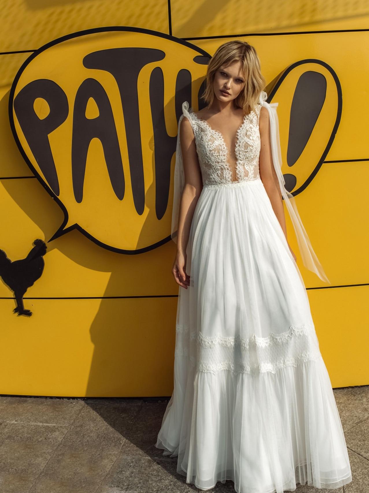 Plunging V Neck Wedding Bride Dress 2021 Appliqued A Line Tulle Bridal Gown Illusion Back Shoulder Cape Custom Made Plus Size