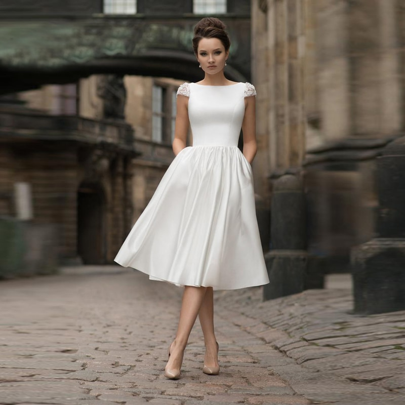 Promo Above Knee Length Wedding Party Bridesmaid Gown Satin Scoop Beaded Cap Sleeve Custom Made Open Back Minimalist Dance Bridal Gown