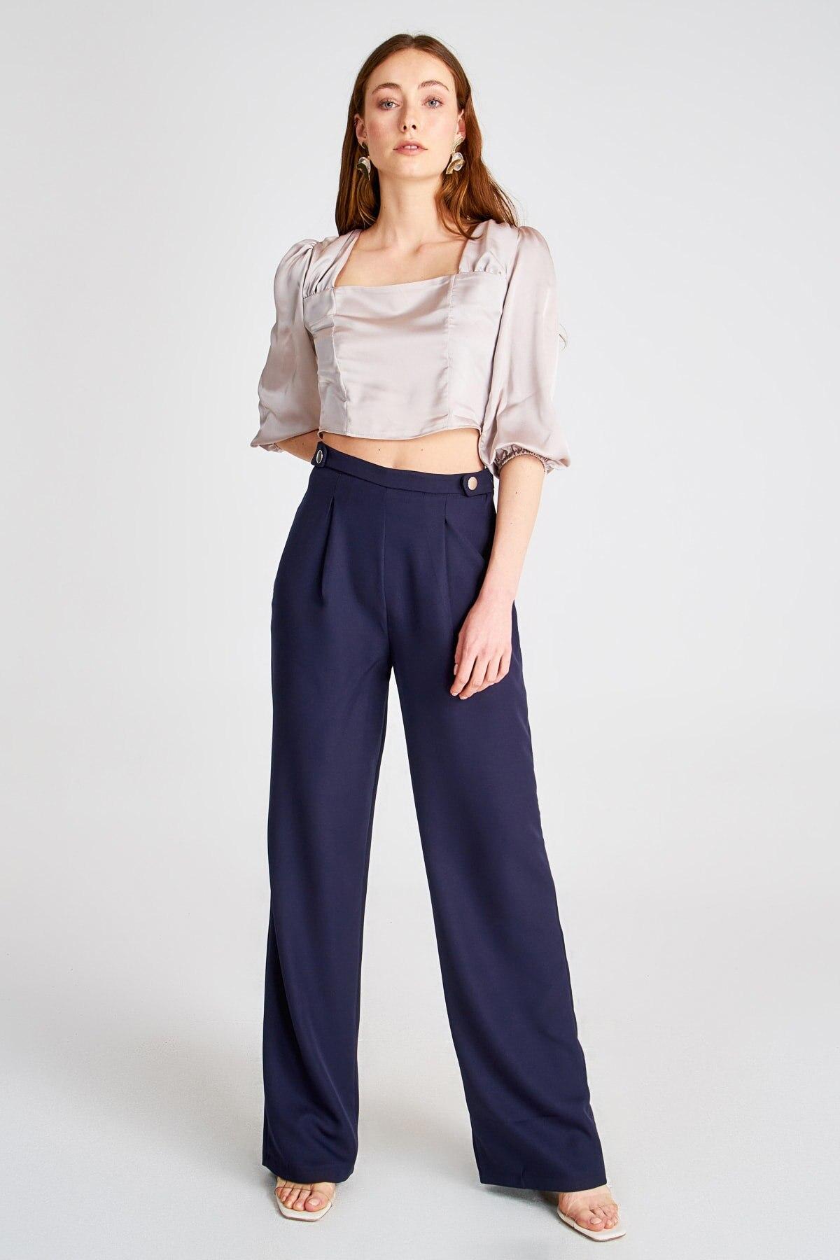 Pantalones básicos Trendyol TWOSS20PL0262