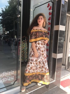Sarı Madonna Yaka Elbise
