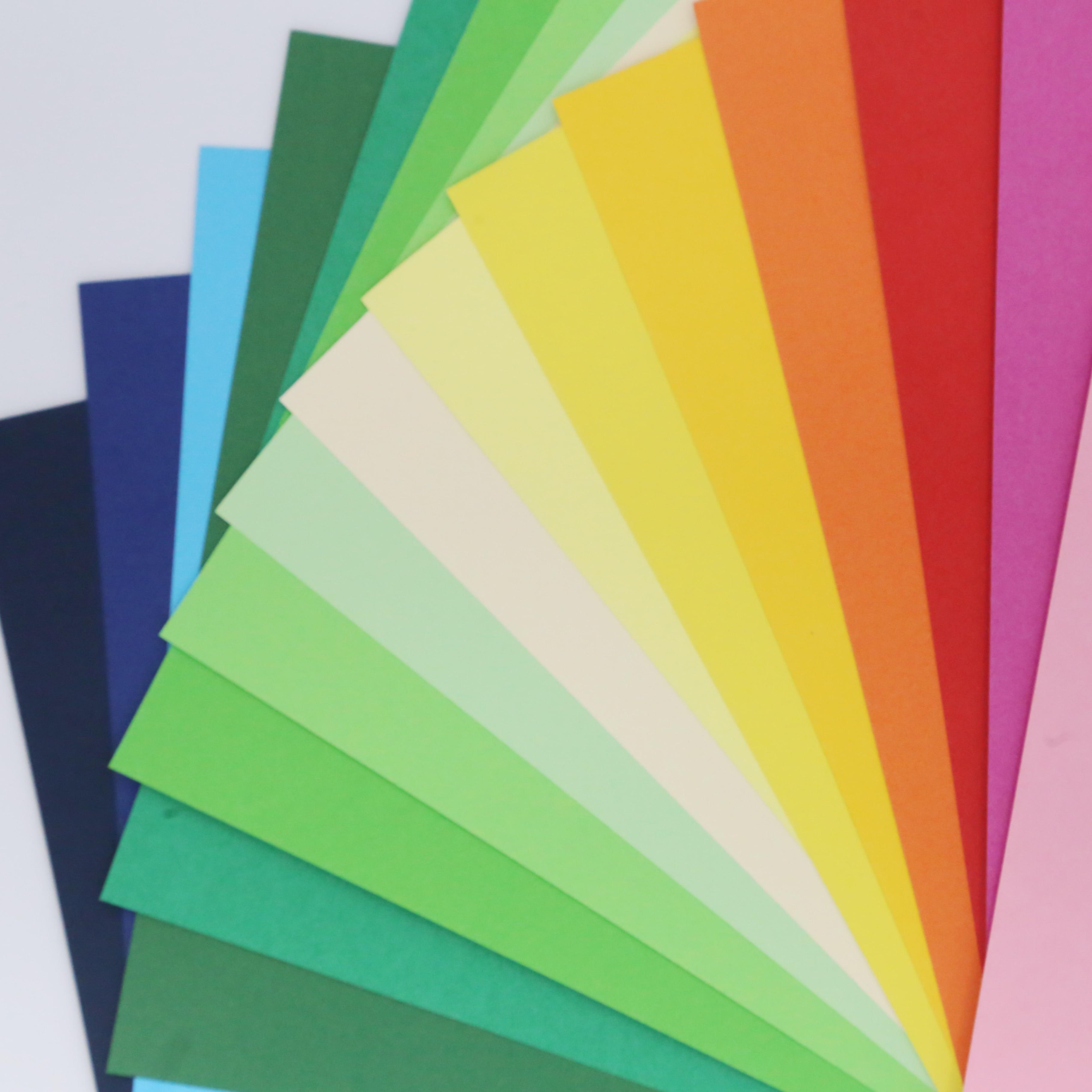 50uds Cartulina para manualidades papel grueso hoja de papel colores A4 180g