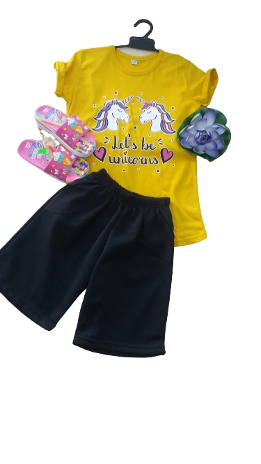 بدلة الجزء السفلي للأطفال بأكمام قصيرة وياقة على شكل دراجة بدلة مطبوعة من الأمام لون أصفر turuçu penbe لون وردي 2021 موديل فصل الصيف الجديد