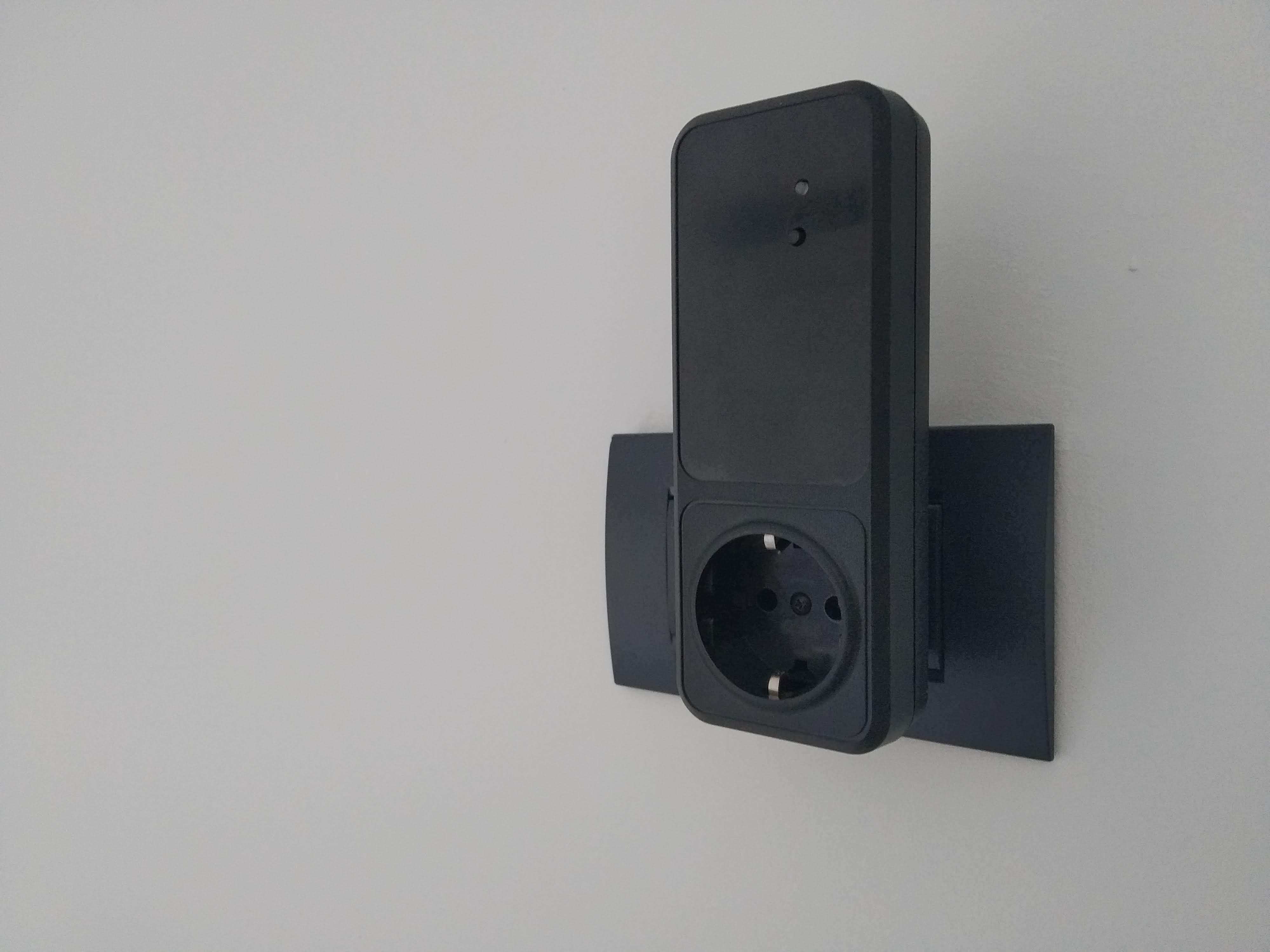 Case Mini Box Module WiFi Wall Plug Smart Electrical Socket Accessory Automation Home EU Smart iot Esp8266 Relay 220V AC