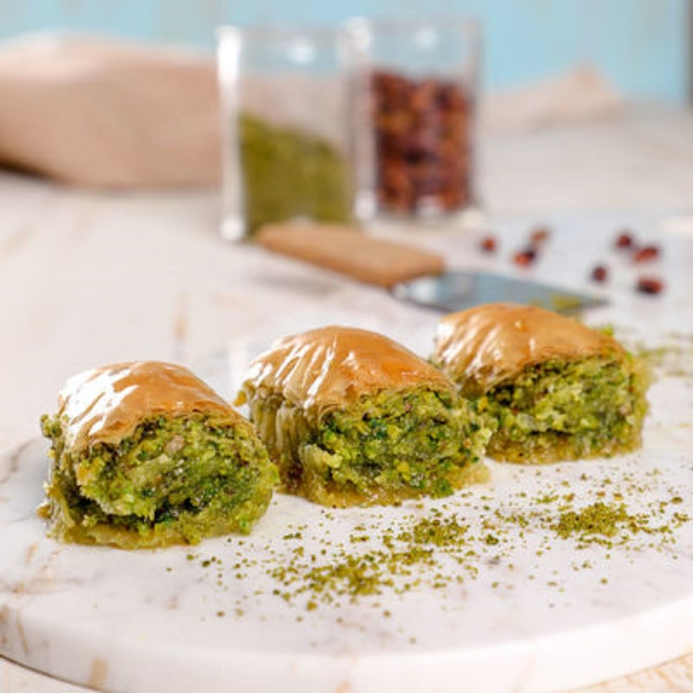 FROM TURKEY Famous Turkish BAKLAVA Dessert with Peanut and Butter 950 gr. ( 33.5 oz )  We send with DHL EXPRESS to The WORLDWIDE