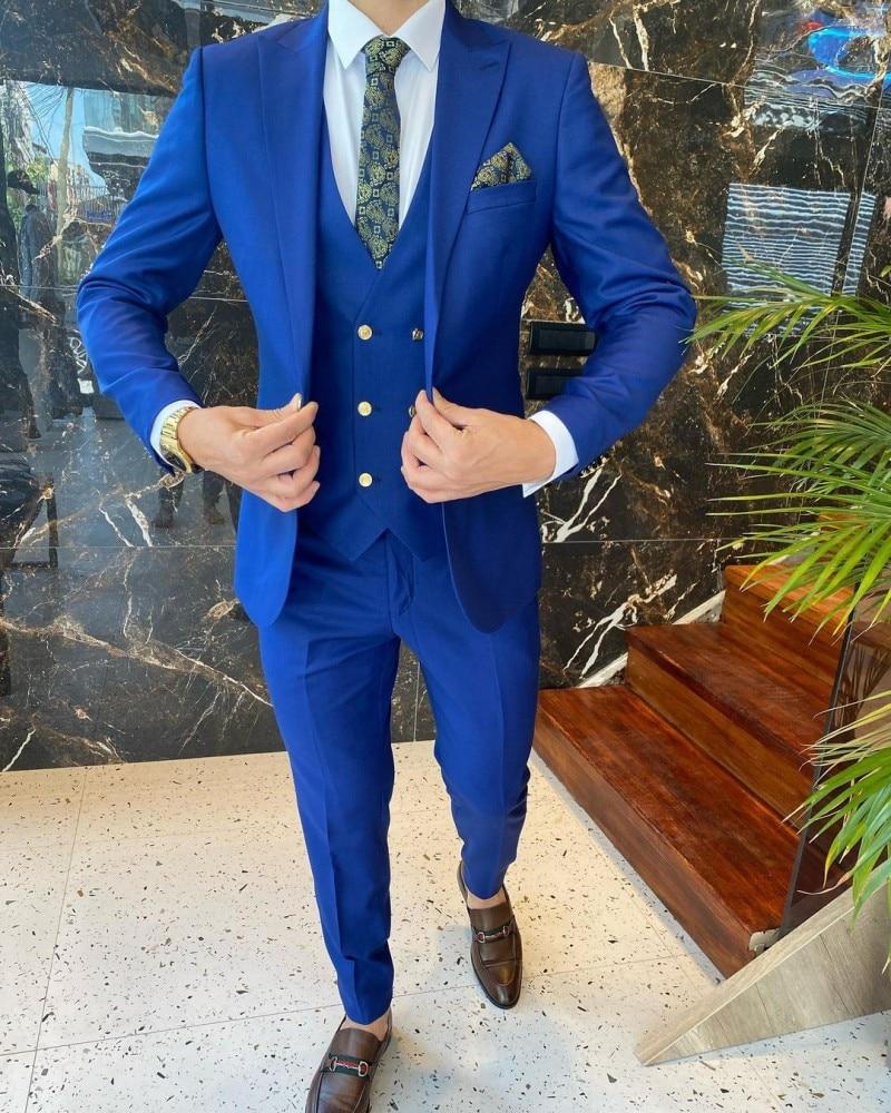 الأزرق الملكي الرجال الدعاوى لحفل الزفاف 3 قطع العريس البدلات الرسمية رجالي Porm ملابس الحفلات واحدة الصدر (سترة سترة السراويل)